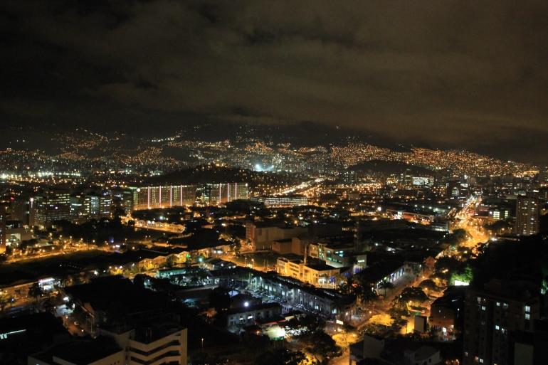 Medellin v noci